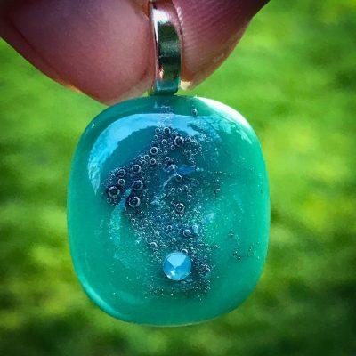 Glass pendant by Sam Rowena Taylor (Jewellery Artist)
